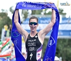Sophie Coldwell reigns supreme in Tiszy before storm halts men's progress